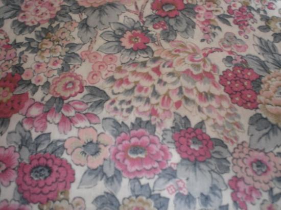 Tissu Liberty Elysian gris et rose
