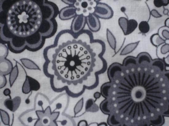 Tissu Liberty Lauren noir et gris
