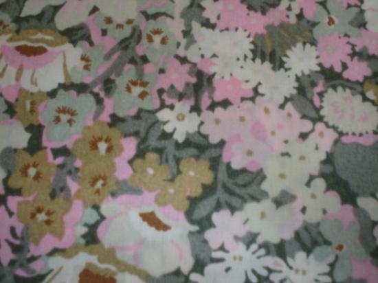 Tissu Liberty Thorpe vert et rose