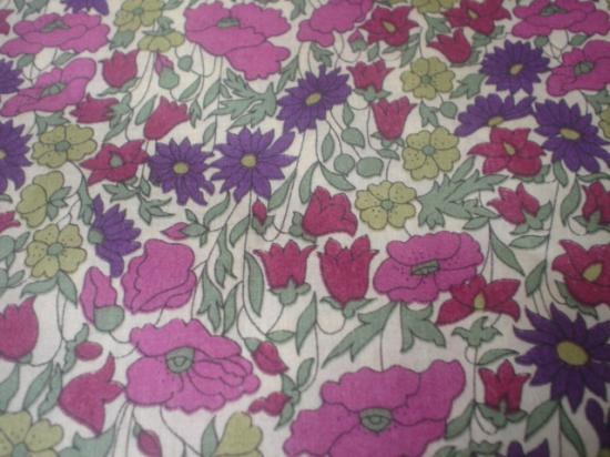 Tissu Poppy and Daisy violet