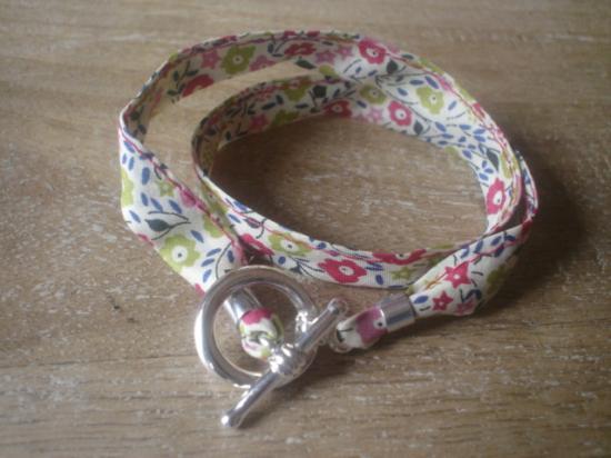Bracelet ruban Fairford vert et framboise