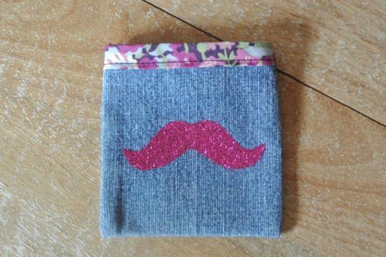 Etui Jeans Thorpe violet  moustache rose