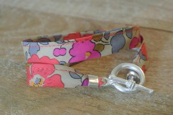 Bracelet Betsy fluo-thé (petit fermoir)