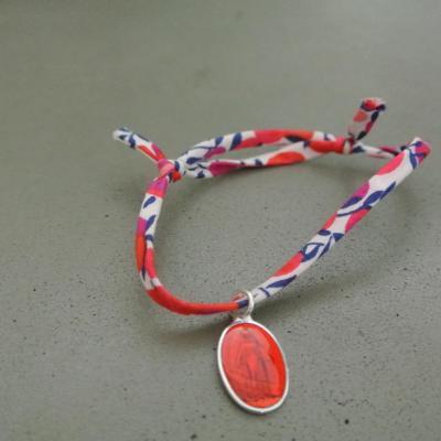 Médaille de Miraculeuse sur cordon Wiltshire rouge et blanc