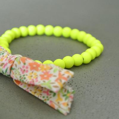 Bracelet perles jaune fluo et Liberty Eve