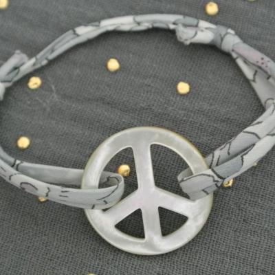Bracelet nacre Peace and Love