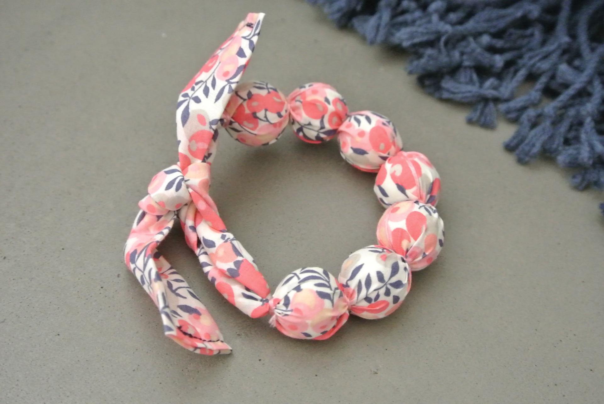 Bracelet boules Wiltshire rose