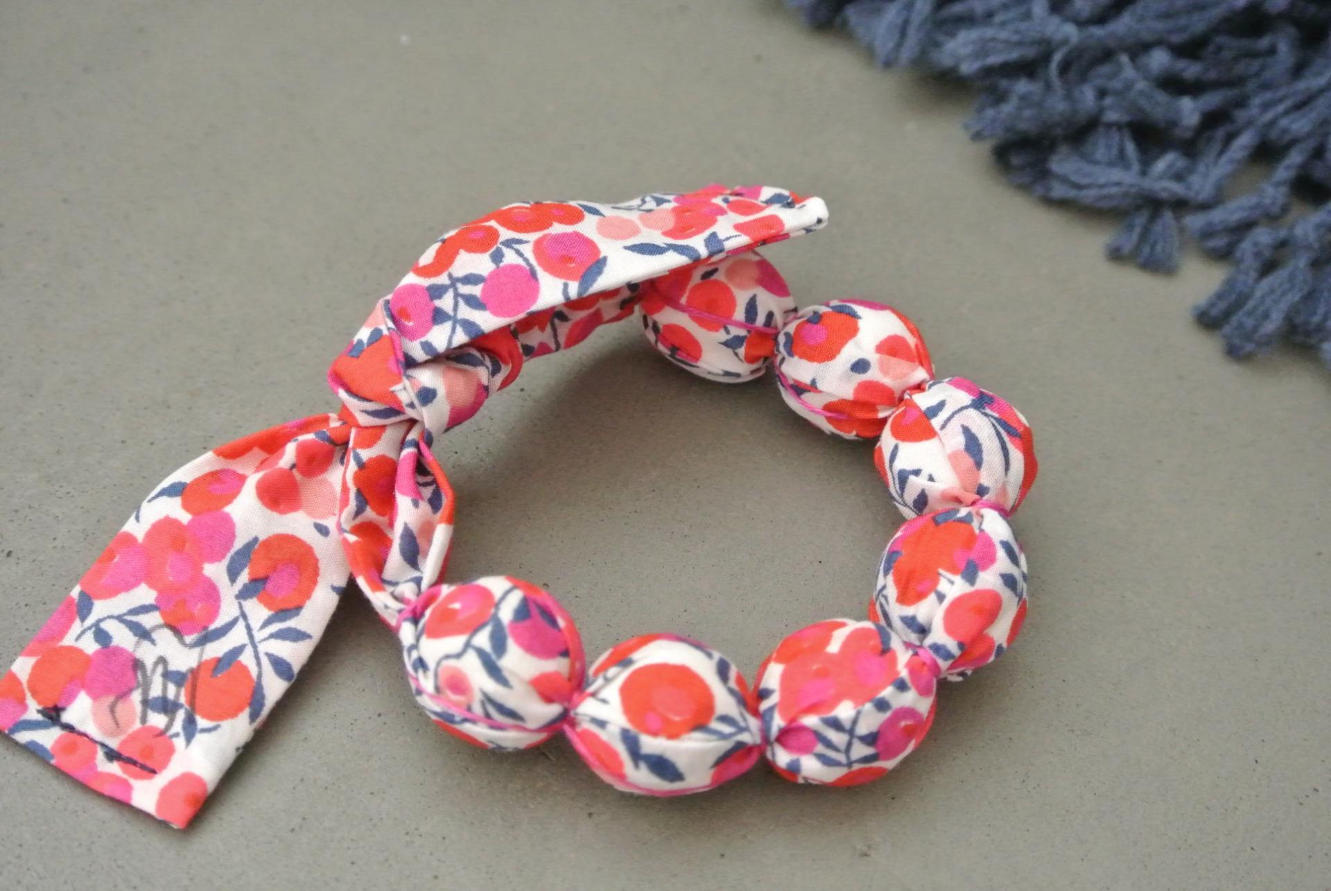 Bracelet boules Wiltshire rouge