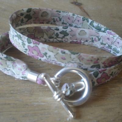 Bracelet ruban en Liberty Dora