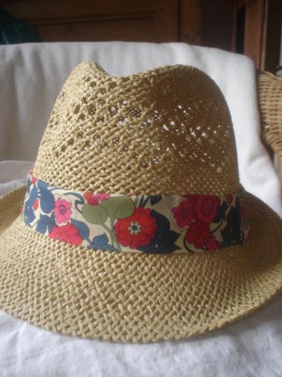 Chapeau Boxford rouge et bleu
