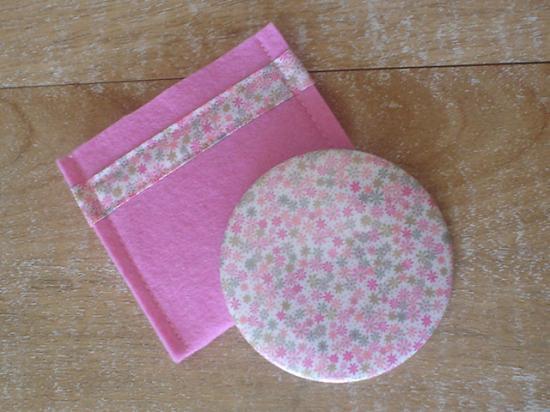 Miroir Rania rose avec étui rose