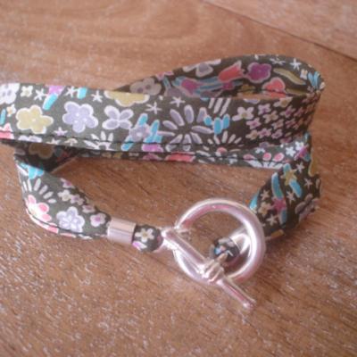 Bracelet ruban en Liberty Kayako