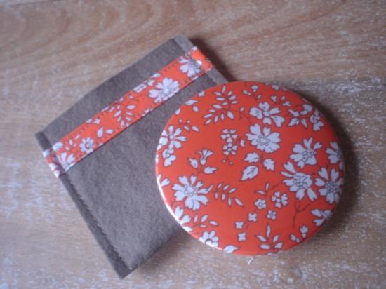 Miroir Capel orange avec étui taupe