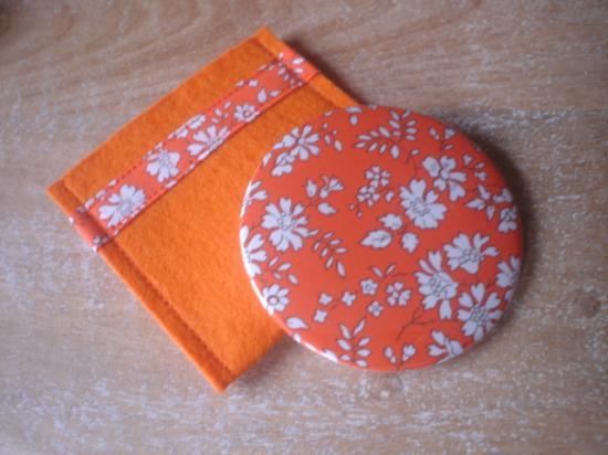 Capel orange avec étui feutrine orange